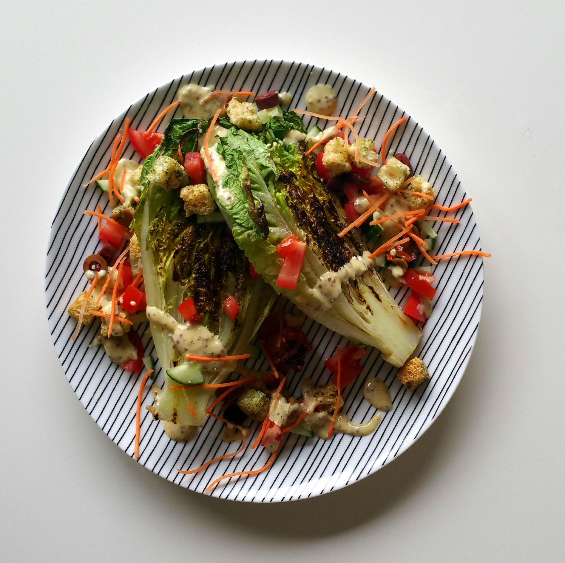Gegrilde salade met mosterddressing grillen is meer dan een aangebrand streepje op je voedsel - Coulissan deur je dressing bladeren ...
